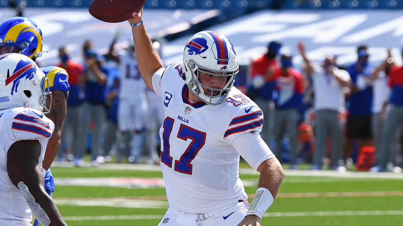 Bills quarterback Josh Allen met een spike na zijn touchdown